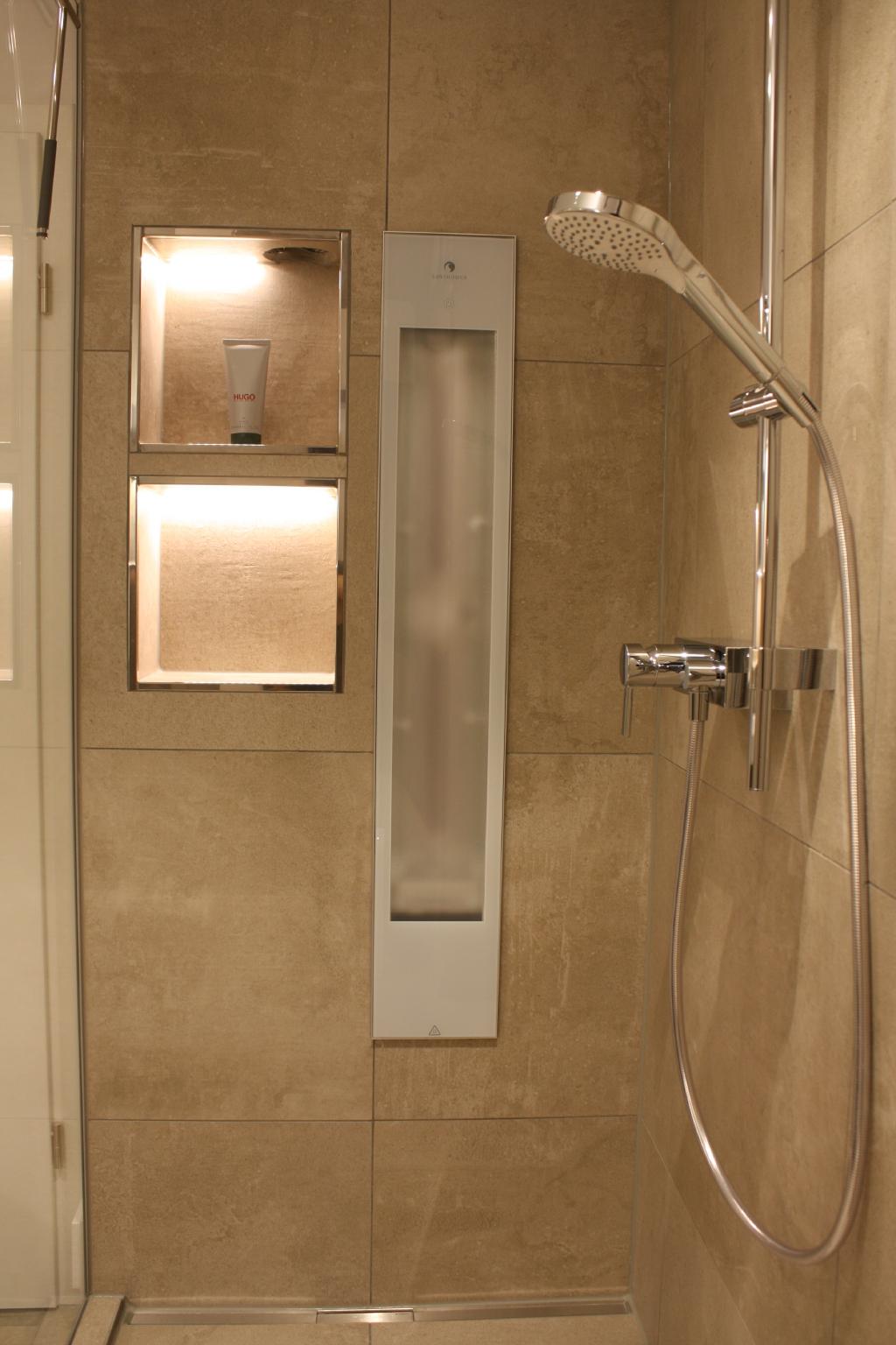 Harmonisches Badezimmer mit warmen Farben - steup-baeder.de